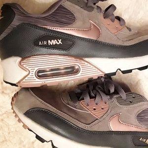 Nike air max size 9 grey tan